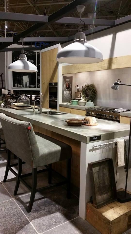 Keuken cottage stijl landelijke keuken engels in cottage stijl landelijke hoekkeuken met for Cottage keuken
