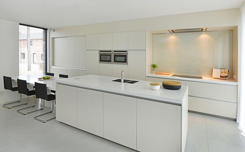 Kies nooit blanco kies voor een kwaliteitskeuken princess keukens limburg - Dimensie centraal keuken eiland ...