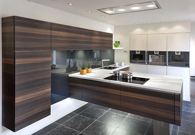 Zwevende keuken ondergaat innovatieve metamorfose for Keuken landelijk maken